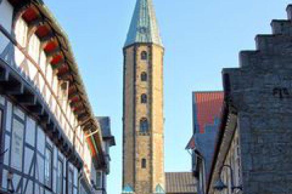 240-hoherwegmit-marktkirche-10B79B72E-E8CF-9B57-9CF7-627B2C5B924E.jpg